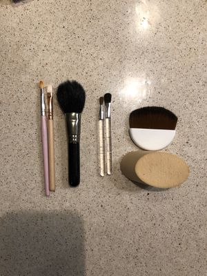 Makeup tools bundle for Sale in New York, NY