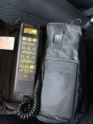 Vintage Gold Series Motorola cellphone SCN2499A with Battery L.A. CELLULAR 1990s for Sale in San Bernardino, CA