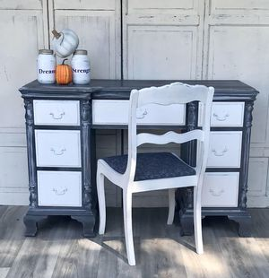 Desk and chair for Sale in Middle River, MD