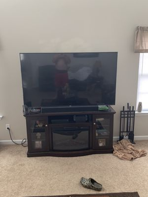 55 inch smart tv for sale. Purchased back in November and just bought a bigger tv and don't need this one. Like new and in perfect shape. for Sale in Kathleen, GA