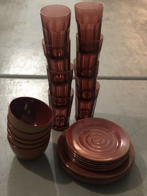 Target Home Melamine kitchen set (6 bowls, small plates and big plates) and 8 glasses for Sale in Las Vegas, NV