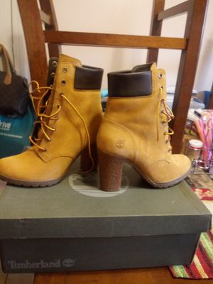 Women timberland size 7 for Sale in Springfield, MA