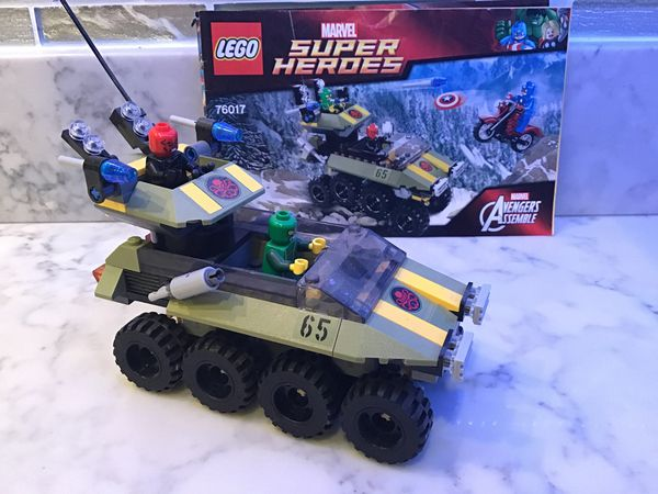 Red skull vs captain America LEGO 76017