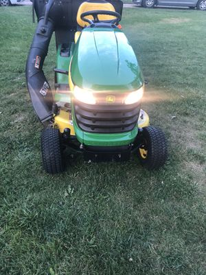 John Deere x300 lawn tractor for Sale in Des Plaines, IL