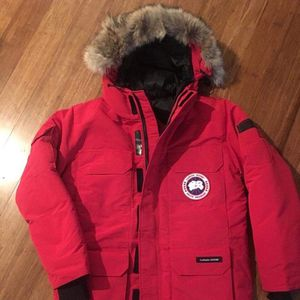 2019 Canada Goose Slim Hooded Parka, Red and Black size M and L for Sale in Fort Lee, NJ