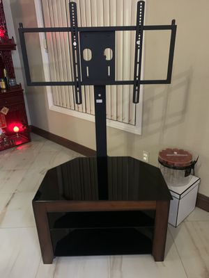 TV stand with TV mount *Like new* for Sale in Westminster, CA