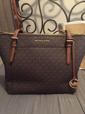 Original MK wallet and purse both New with prices for Sale in Arlington, TX