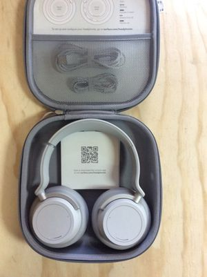 MICROSOFT SURFACE 183 (HEADPHONES) for Sale in Hollywood, FL