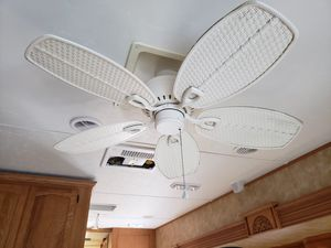 White ceiling fan for Sale in Clearwater, FL