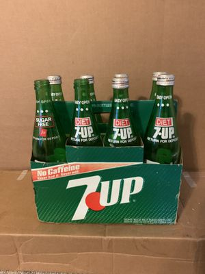 7up 8 pack collection of bottles for Sale in Zachary, LA