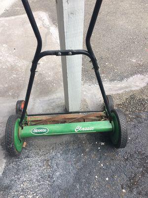 Push lawn mower. for Sale in Malden, MA