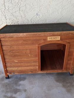 Nice Wooden Dog House 🐕 $100 obo for Sale in Scottsdale,  AZ