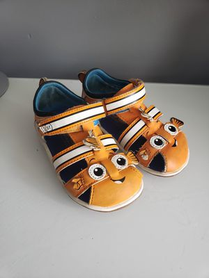Stride rite finding nemo sandals size 6 toddler for Sale in Linden, NJ