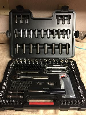 165 Piece Mechanics Tool Set BRAND NEW in a sturdy case for Sale in Port Richey, FL