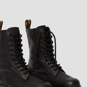 Dr. Marten 1490 VIRGINIA LEATHER MID CALF BOOTS for Sale in Knoxville, TN