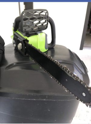 Electric chainsaw Green Works with the Battery for Sale in La Porte, TX
