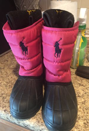 Teens/Women's size 4 snow boots for Sale in West Springfield, VA
