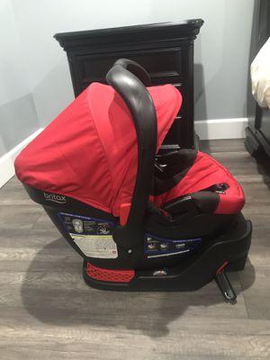 Britax Be-Safe 35 car seat for Sale in Kennewick, WA