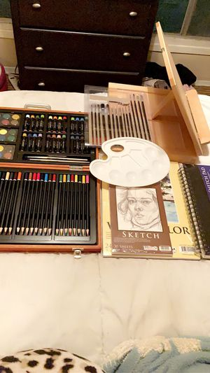 Brand new ART SUPPLIES KIT for Sale in Los Angeles, CA