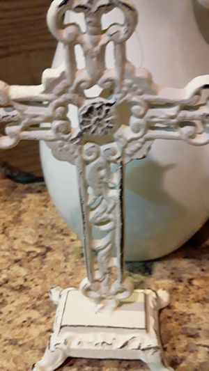 Brand new decorative small tabletop cast iron white cross for Sale in Oviedo, FL