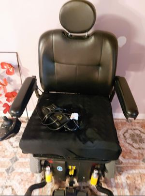 Used Electric wheel chair XL..Has charger and all accessories..Make Offer for Sale in Houston, TX