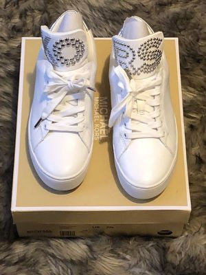 Michael Kors / Woman Tennis shoes / White mk shoes / MK Shoes for Sale in Los Angeles, CA