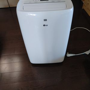 LG 10,000 BTU Air Conditioner/Dehumidifier, All Accessories Included for Sale in Brooklyn, NY