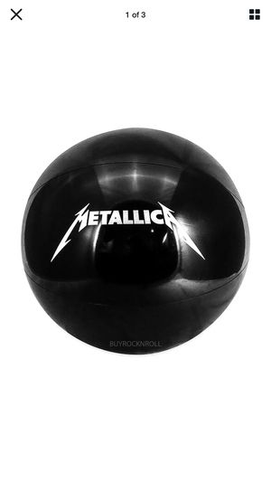 METALLICA ~BEACH BALL ~DEATH MAGNETIC TOUR ~ AUTHENTIC for Sale in Charlotte, NC
