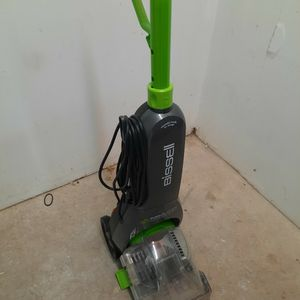 Bissell TurboClean Pet for Sale in Madison, WI