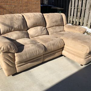 FREE DELIVERY Sectional Couch Recliner for Sale in Park Ridge, IL