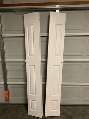 2 Bifold Closet Doors (6panels) for Sale in Smyrna, TN