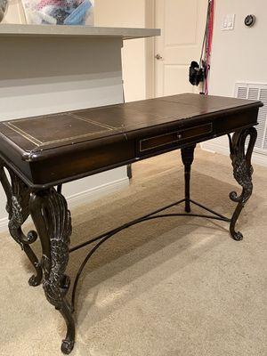 Small DESK ACCENT TABLE for Sale in Irvine, CA