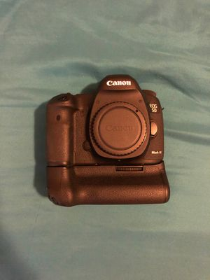 Canon 5D Mark iii with Battery Grip for Sale in Dallas, TX