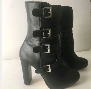 Very cute boots for Sale in Riverside, CA