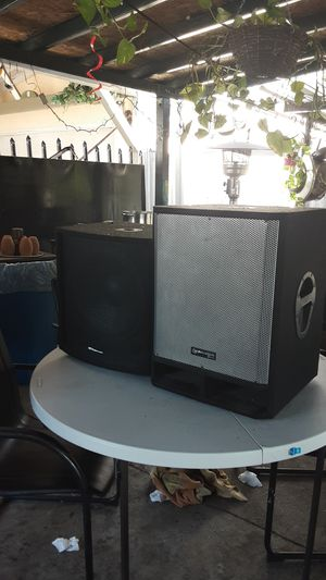 Mcmcustom audio & technical pro subwoofer size 15 for Sale in Los Angeles, CA
