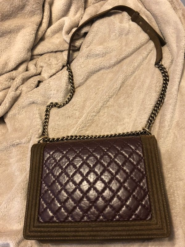 05b5f86a7534f1 Authentic Chanel Boy Flap Bag for Sale in Atlanta, GA - OfferUp