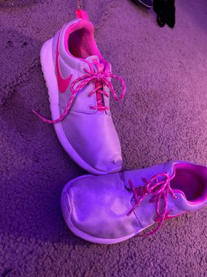 Pink and Gray Nike Tennis Shoes for Sale in Fayetteville, NC