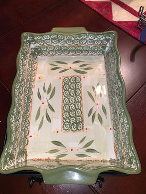3.5 quart fluted Temptations baker with trivet and wire rack for Sale in Sugar Land, TX