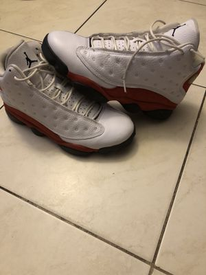 Jordan Retro 13s Men's Size 8.5 white/black-varsity red for Sale in Miami, FL