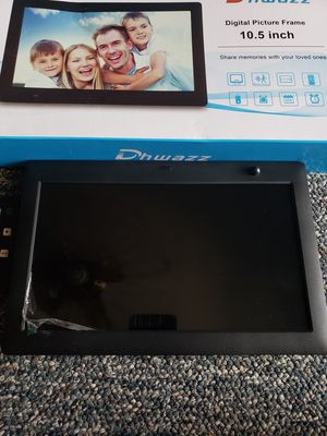 Dhwazz * 10.5 Inch Digital Photo Frame for Sale in Columbus, OH