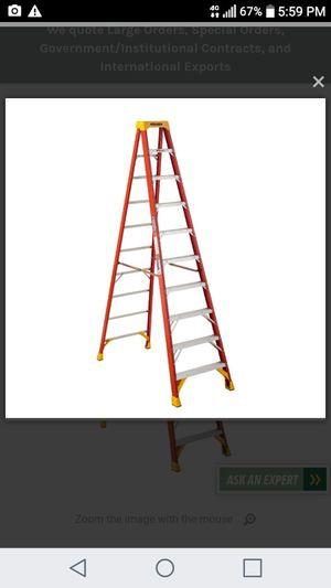 Werner 10' fiberglass ladder for Sale in Miami, FL