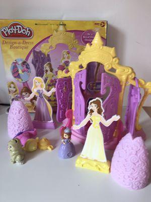 Play-Doh Disney Princess Design a Dress Boutique set Girls Toys for Sale in Alexandria, VA