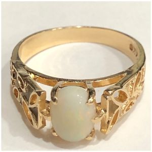 14KT Yellow Gold Opal Filigree Ring for Sale in Naperville, IL