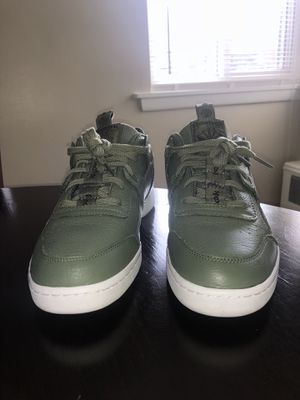 Reebok classic (army green) for Sale in Bronx, NY