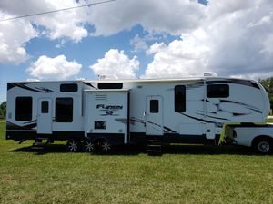 2011 Fuzion FZ398 Toy Hauler for Sale in Clearwater, FL