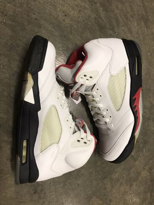 Jordan fire red 5: for Sale in Medley, FL