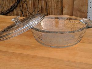 Beautiful Fantasia Princess House Glass Holiday Christmas Casserole Dish Pot for Sale in Santa Clarita, CA