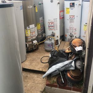 Water Heaters 30-40-50-60-75 Galones for Sale in Fontana, CA