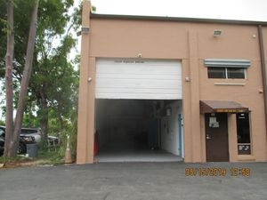 Warehouse with three offices with central air conditioning at FCCC in West Kendall for Sale in Miami, FL