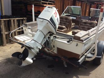 Boat Selling Tonight At 5 PM AT BAIRD AUCTION IN FRESNO for Sale in Fresno,  CA